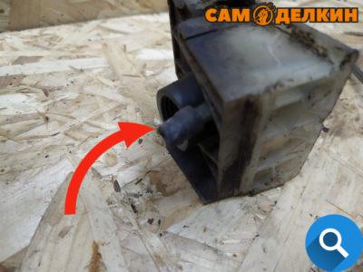 Хотелось бы особое внимание уделить патрубку ипульсного канала (маленькая резиновая трубка)
