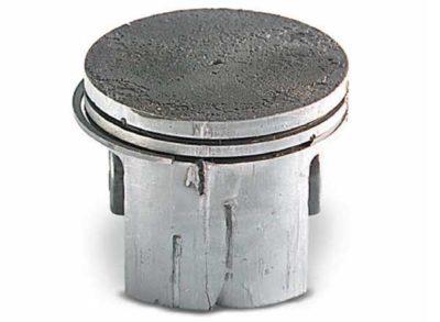 Облом части поршневого кольца с последующим повреждением поверхности поршня: Не правильная посадка кольца в канавке при проведении ремонта Не подходящее кольцо для данного двигателя
