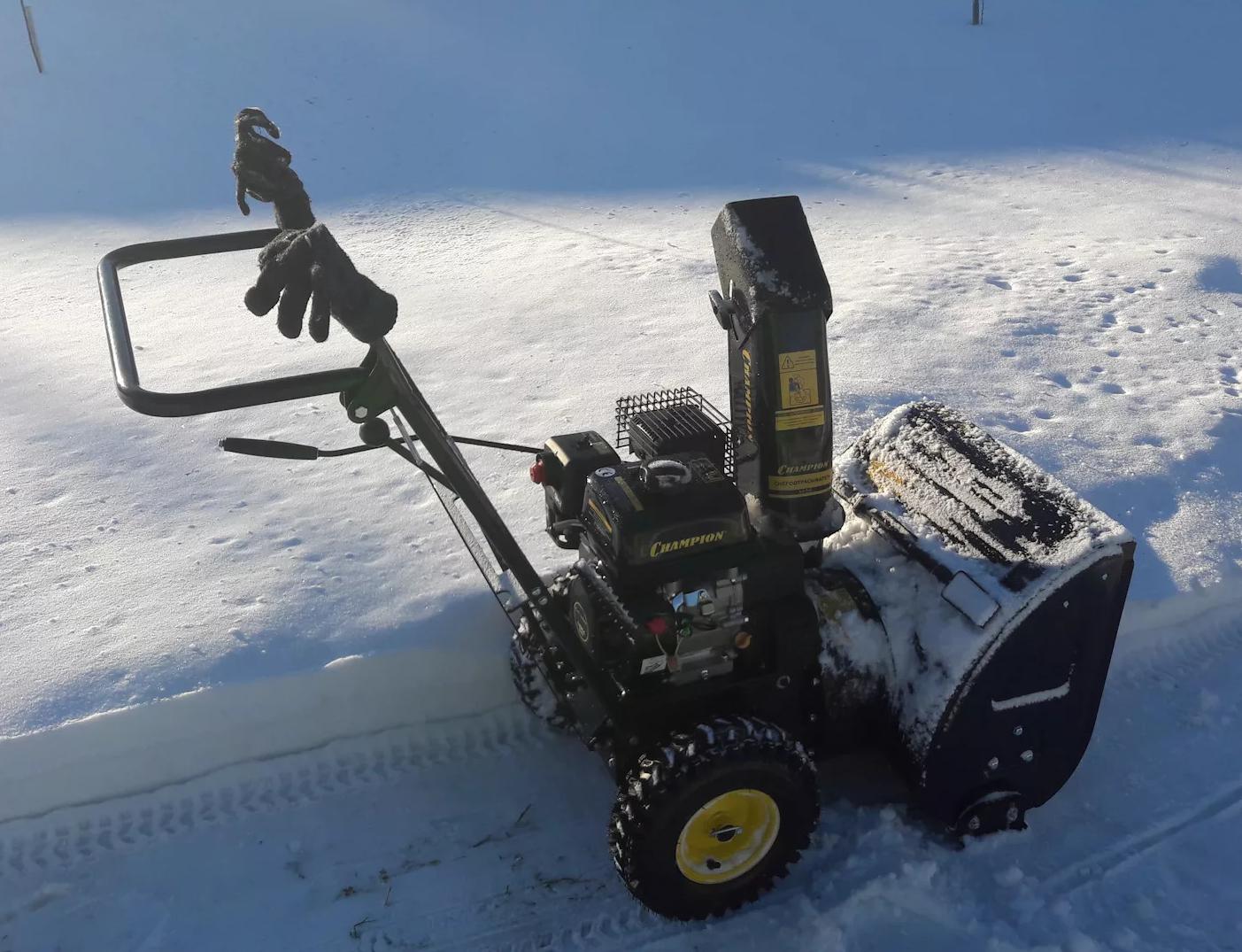 Снегоуборщик Champion ST656 – Детальный обзор модели.