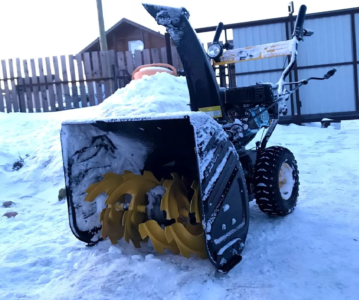 Обзор снегоуборщик Huter SGC 4800.